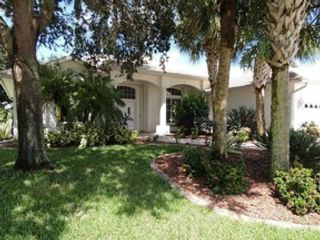 3 BR,  2.50 BTH  2 story style home in Palm Bay